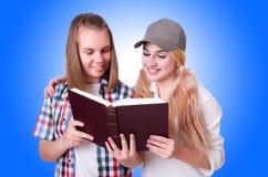 Paar jonge studenten Stock Afbeeldingen