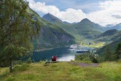 Paar in liefdedromen van een cruise in Noorwegen Royalty-vrije Stock Foto