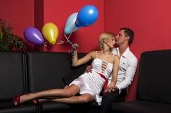 Paar met ballons 1 Stock Afbeelding