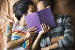 Paar-Moment-Glück-Konzept LGBT lesbisches stockfoto