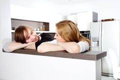 Paar in nieuw huis Royalty-vrije Stock Afbeeldingen