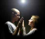 Paar onder de sterren Stock Foto