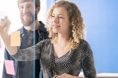 Paar ondernemers royalty-vrije stock fotografie