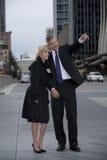 Paar op de Straat van de Stad Stock Afbeelding