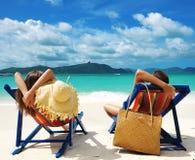 Paar op een strand royalty-vrije stock fotografie