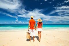 Paar op een strand in Seychellen Stock Fotografie