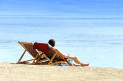 Paar op het strand Royalty-vrije Stock Fotografie