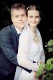 paar op hun huwelijksdag Stock Afbeeldingen