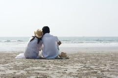 Paar op strand Royalty-vrije Stock Fotografie
