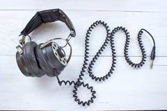 Paar oude correcte hoofdtelefoons Stock Foto