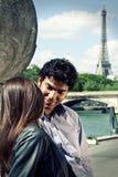 Paar in Parijs Frankrijk Royalty-vrije Stock Afbeeldingen