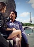 Paar in Parijs Frankrijk Stock Foto's