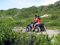 Paar in quadricycle Royalty-vrije Stock Fotografie