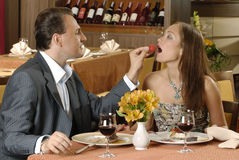 Paar in restaurant royalty-vrije stock foto
