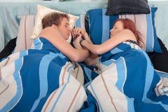 Paar, slaapkamerslaap royalty-vrije stock fotografie