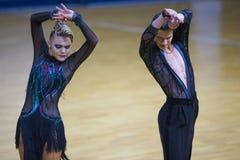 Paar van het Programma van Ilia Shvaunov en Anna Sneguir Performs Youth Latin- royalty-vrije stock afbeeldingen