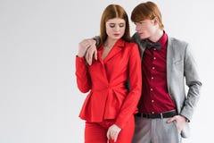 Paar van jonge modieuze modellen stock fotografie