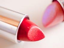 Paar van kleurrijke lippenstiften Stock Fotografie