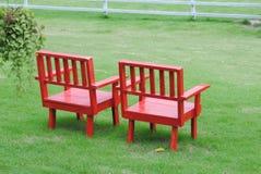 Paar van rode stoelen Stock Afbeeldingen