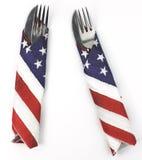 Paar van tafelzilver in Amerikaanse vlagservetten dat wordt verpakt Royalty-vrije Stock Fotografie