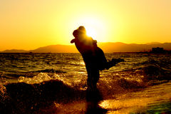 Paar voor zonsondergang Royalty-vrije Stock Afbeelding
