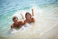Paar in Water stock afbeelding