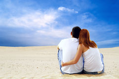 Paar in woestijn Royalty-vrije Stock Foto's