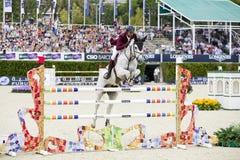 Paard die - Ali Bin Khalid Al Thani springen Royalty-vrije Stock Foto