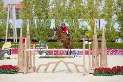 Paard die - Lucy Davis springen Stock Afbeelding