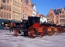 Paard getrokken vervoer, Brugge stock afbeelding