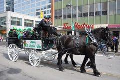 Paard getrokken vervoer in de Dag van Heilige Patrick Royalty-vrije Stock Afbeelding