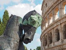 Paardbeeldhouwwerk van Gustavo Acheves voor Colosseum Stock Foto