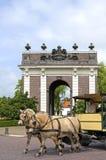 Paarden voor stadspoort Koepoort in Middelburg Royalty-vrije Stock Foto's