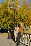 Paare auf der Brücke Stockfotografie