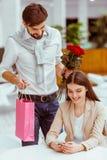 Paare auf einem Datum Lizenzfreie Stockfotos