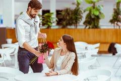 Paare auf einem Datum Stockfotografie