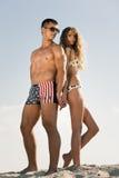 Paare auf Strand Stockbilder
