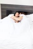 Paare am Bett Lizenzfreie Stockbilder