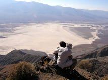 Paare an Dantes Ansicht, Nationalpark Death Valley stockfotografie