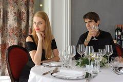 Paare an der Gaststätte Stockfoto