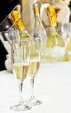 Paare der Gläser Champagners Stockfotografie