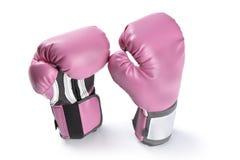 Paare der rosa Boxhandschuhe lokalisiert auf Weiß Stockfotos