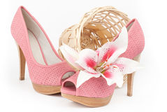 Paare der rosa Schuhe Stockfotos