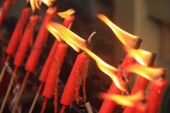 Paare der roten Kerzen Stockfotos