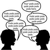 Paare der Schattenbildgesichter sprechen in den Spracheluftblasen Lizenzfreie Stockfotos