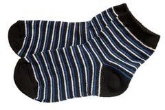 Paare der striped Socken des Kindes Lizenzfreie Stockfotos