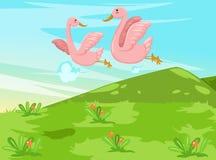 Paare der Vögel, die über den Himmel fliegen Lizenzfreies Stockfoto