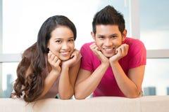 Paare des Lächelns Stockbild