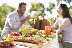 Paare, die Al-Fresko speisen Lizenzfreies Stockfoto