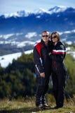 Paare, die eine wandernde Reise genießen Stockfotografie